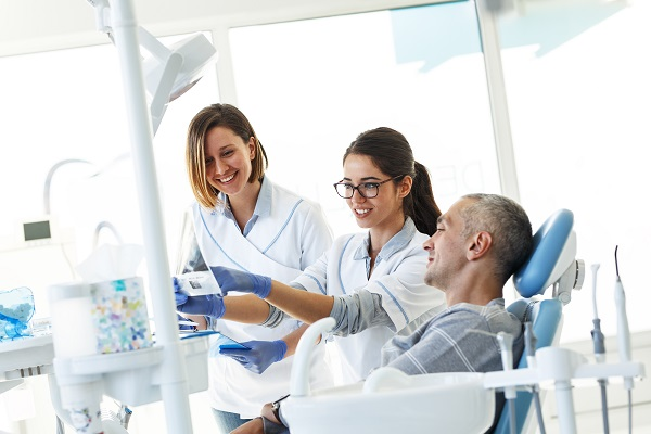 Reasons To Consider A Root Canal From An Endodontist