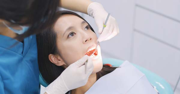 Endodontic Treatment:   Signs A Root Canal Is Necessary