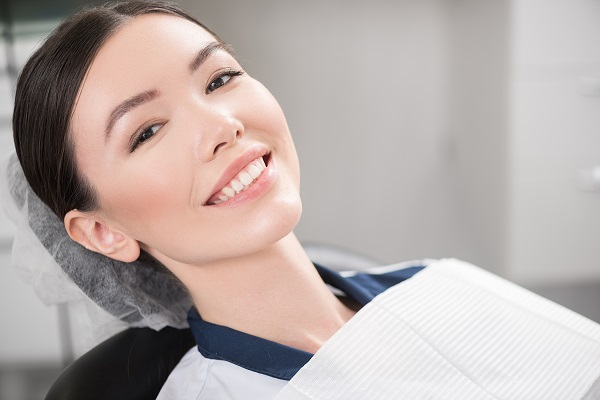 Four Signs That You Should Visit A Root Canal Specialist