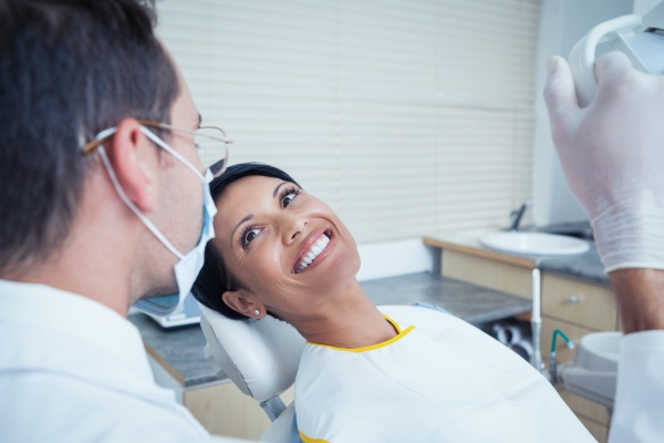 Four Reasons To Visit A Root Canal Specialist